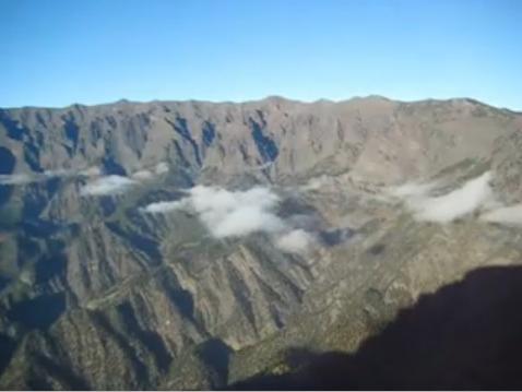 El mar y la cascada de nubes (La Palma)